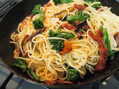 野菜たっぷりパスタ