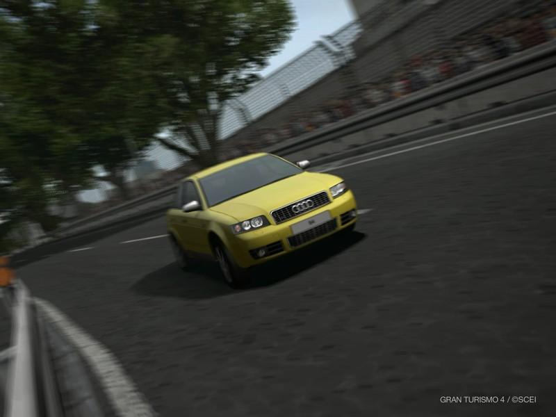 アウディ S4 '03