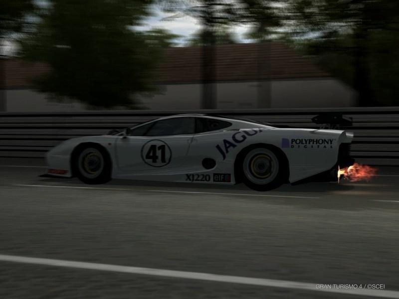 ジャガー XJ220 LMレースカー '01