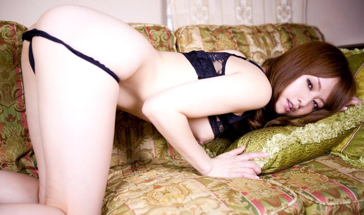 【No.9485】 誘惑 / 吉沢明歩