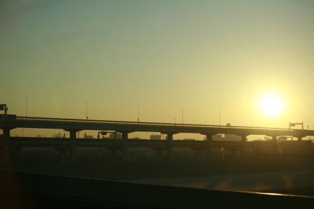 東京に朝日が上がる