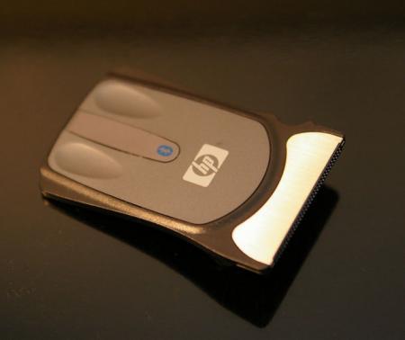 HP社のICカード型マウスの表面