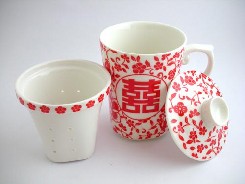 ダブルハピネス柄マグカップ、茶こし、蓋付き
