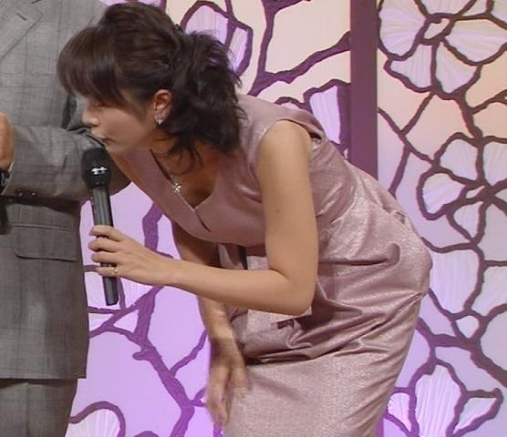 高島彩 谷間強調キャプ画像(エロ・アイコラ画像)