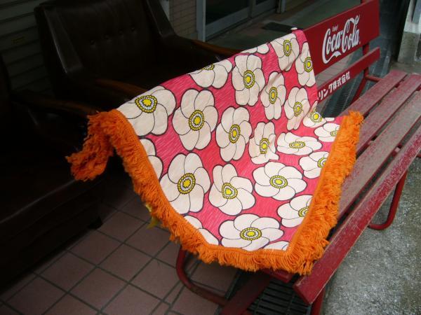 花柄ビニールのコタツカバー